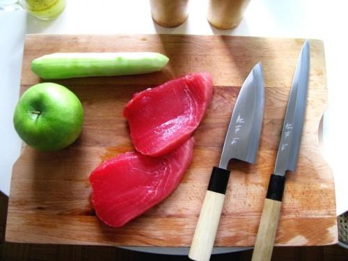 Tartare di tonno con mela e cetriolo